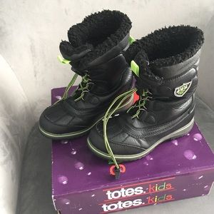 Totes Kids Black & Green Winter Boots, size 13